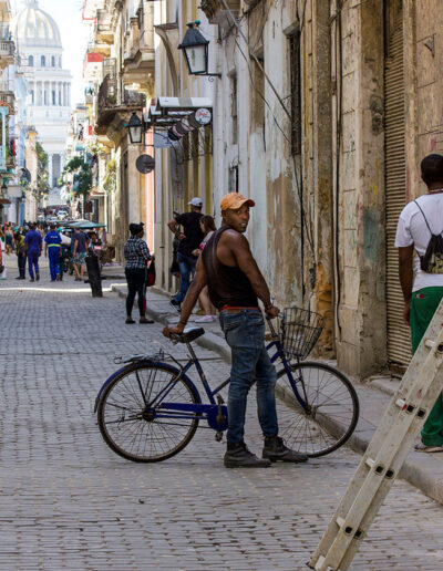 Con la bicicleteta. Cuba